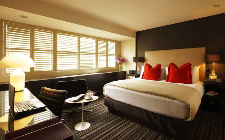 130 Hotel room bed desk laptop photography 1920x1200 wallpaper12513 768x480